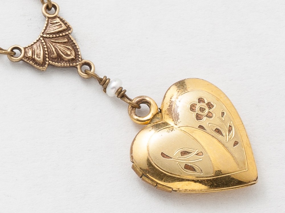 Antique Locket Necklace Gold Filled Locket Heart Locket Necklace with Genuine Pearls Enamel Leaf Flower Engraved Photo Locket