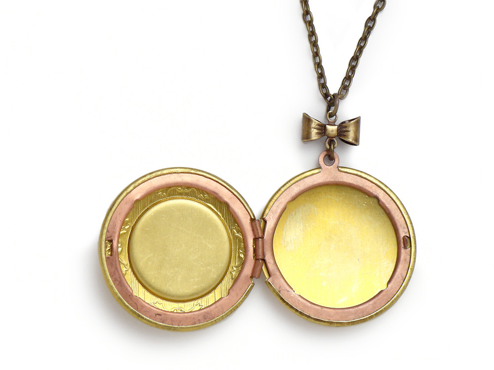 round lockets scroll locket paisley in gold qgpd